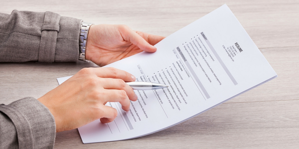 How to include references in your resume? An effective guide