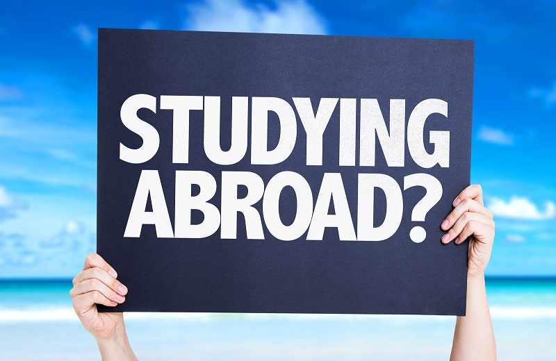 25 Tips for Studying Abroad